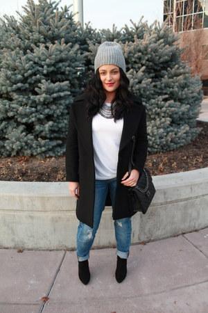 Forever 21 coat - Forever 21 boots - Target jeans - H&M hat - Forever 21 bag