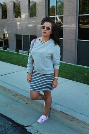 H&M sweatshirt - Forever 21 skirt - H&M sneakers