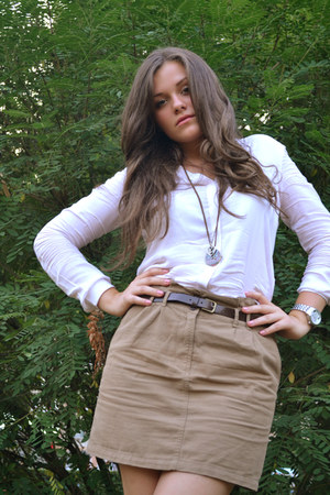 tan skirt - white blouse - light brown accessories
