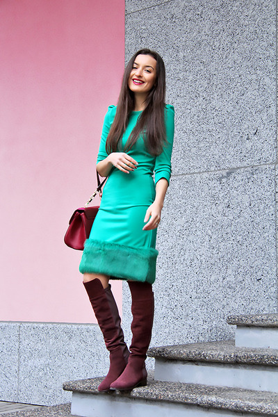 crimson dune boots - turquoise blue Waggon Paris dress