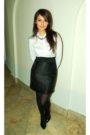 black H&M skirt - black Aldo shoes - white H&M shirt