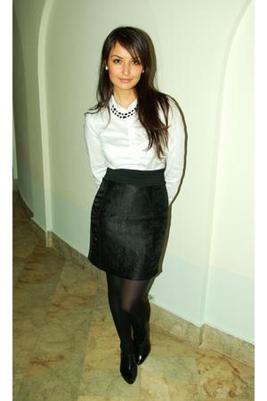 black H&M skirt - black Aldo shoes - white H&M shirt
