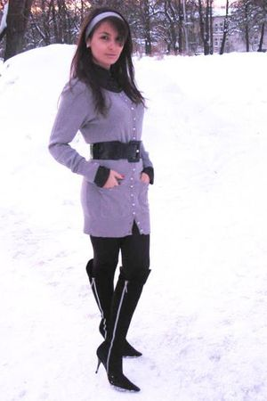 black shirt - silver Motivi cardigan - black Moda Donna boots - black belt