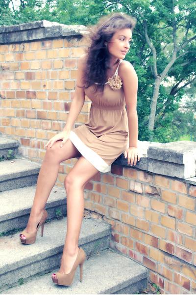 camel dotted dress Amisu dress - tan camel heels Bershka heels
