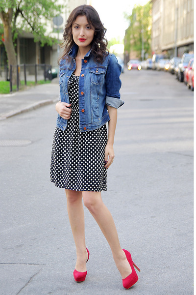 black-promod-dress-blue-zara-jacket-red-bershka-heels_400.jpg