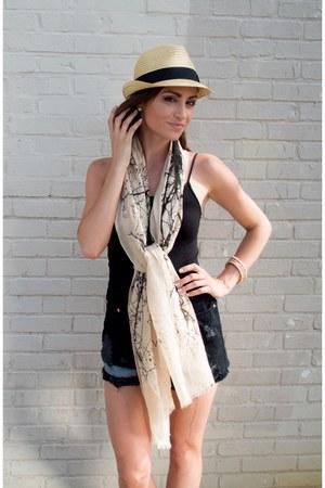 LuckyB Boutique scarf