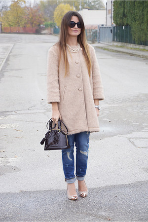 peach souvenir coat - blue Zara jeans - brick red Louis Vuitton bag