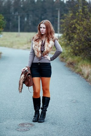 Zara bag - humanic boots - faux fur H&M scarf - New Yorker shorts