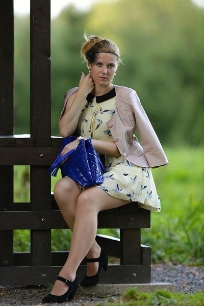 Stradivarius jacket - humanic shoes - Zara dress - Domi bag