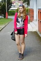 charcoal gray Zara t-shirt - black reno shoes - gray c&a bag
