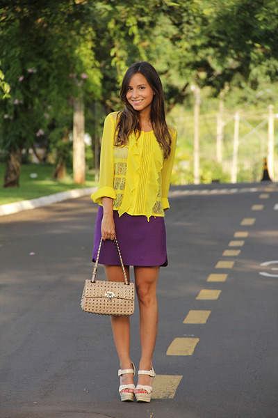 yellow BCBG blouse - beige Valentino bag - beige Louboutin pumps