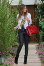 Black-zara-boots-black-rag-bone-jeans-red-prada-bag