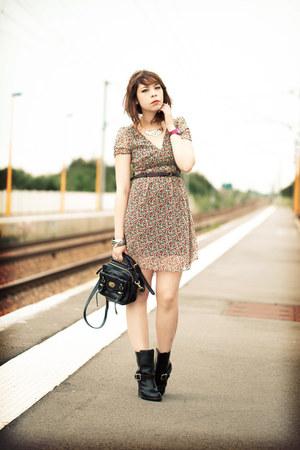black Chloe boots - light pink H&M dress - black Mulberry bag