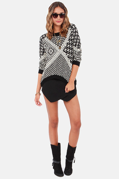 black LuLus sweater