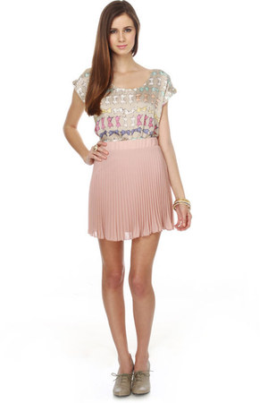 beige bow print LuLus blouse - light pink pleated LuLus skirt - gray oxford LuLu