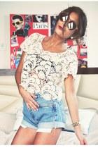 vintage Levis shorts - coral vintage sunglasses - white lace Forever 21 top