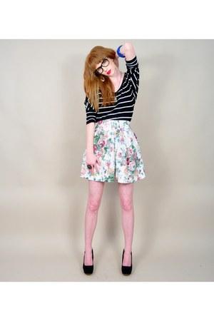 light blue vintage shorts - black striped Charlotte Russe t-shirt