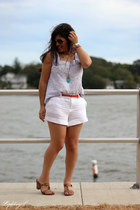 white linen banana republic shorts - aviator kohls sunglasses