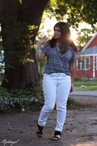 white Domain jeans - black tribal TJMaxx top - black dive & co sandals