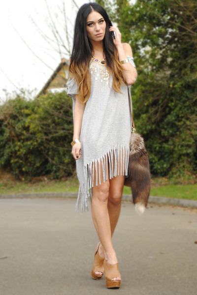 Heather Gray Romwe Dress Tan H M Bag Gold Necklace Office Wedges