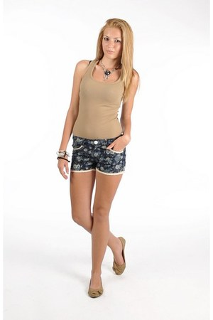 nude shirt - navy shorts - nude flats
