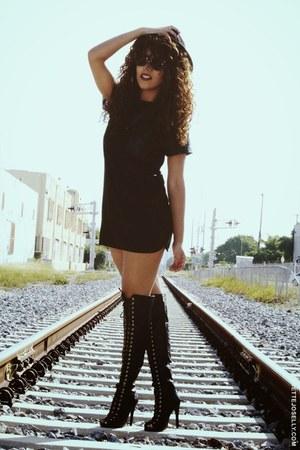 black ami clubwear boots