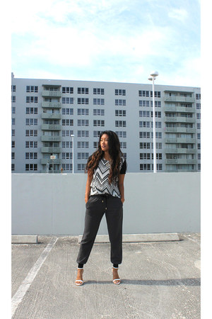 black Le Tote shirt - gray Express pants - white http-wwwzaracom Zara heels