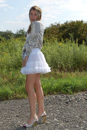 white American Apparel skirt - gold vintage blouse - gold Due Farina shoes