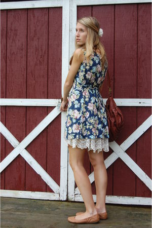 blue vintage dress - brown Gap shoes