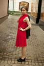 Black-alba-shoes-red-dress