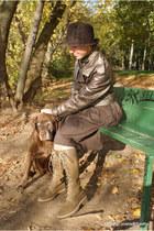 camel versus jacket - dark khaki Timberland boots - brown Tatum dress