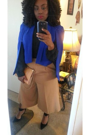 blue cape - black suede Guess heels