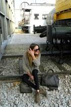 Zara boots - purificación garcía bag - Stradivarius sunglasses