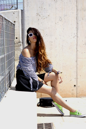 Newchic shirt - white Ale-Hop sunglasses - black Stradivarius skirt
