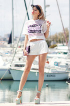 white Mohito shorts - aquamarine Mergpl wedges