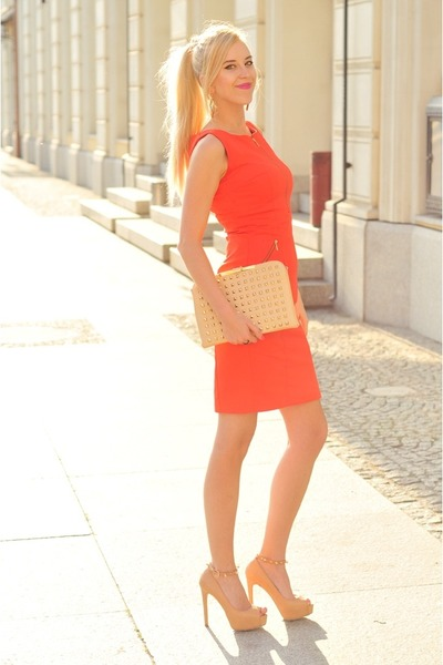 neutral Zara bag - carrot orange Mohito dress - neutral Bershka heels