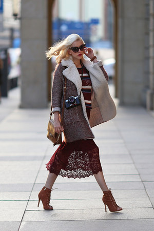 crimson Zara skirt - brown deezee heels