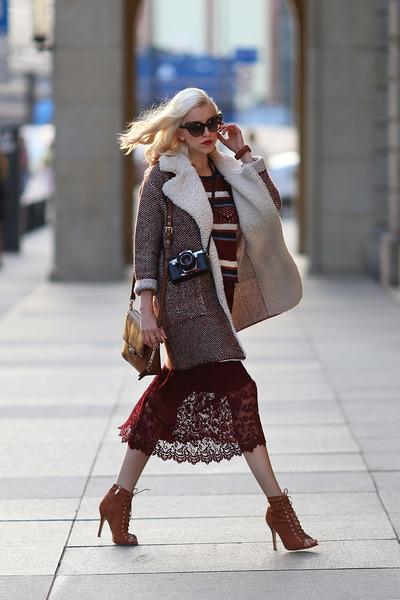 crimson Zara skirt - brown deezee heels