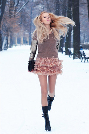 light pink Stradivarius skirt - black CCC boots - tan Mango sweater