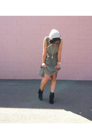 olive green pleated Bar III dress - black fringe H&M boots
