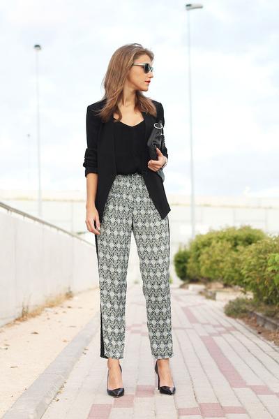 printed Dandara pants - black Zara blazer - leather bag PAULA FRANCO bag