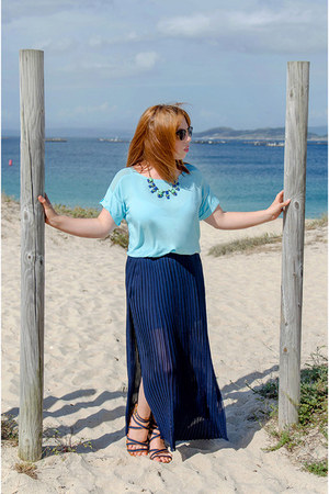 sky blue Mango shirt - navy Coqueta skirt