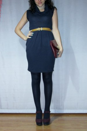 brick red burgundy purple Dorothy Perkins wedges - blue dress - blue omsa tights