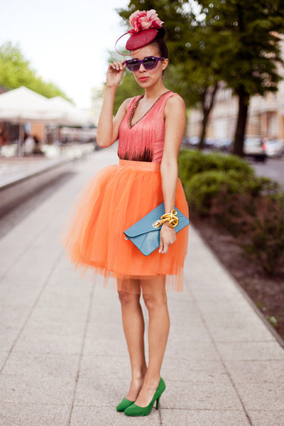 Mia Design skirt - tassel ombre TFNC top - green Fleq heels