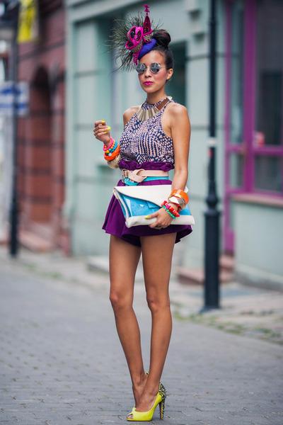 sam edelman shoes - chicwis shorts - metallic golden Iloko necklace