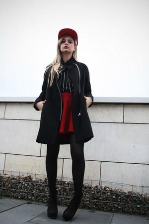 Bata boots - Mango coat - H&M t-shirt - Bershka skirt