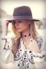 Zara-boots-c-a-hat-pull-bear-belt-thrifted-top