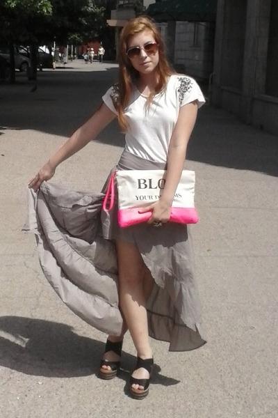 tan high-low Motivi skirt - hot pink Bershka bag - black deichman sandals