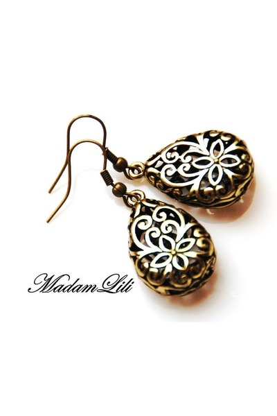MadamLili earrings