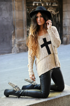 In Love with Fashion jumper - Jeffrey Campbell shoes